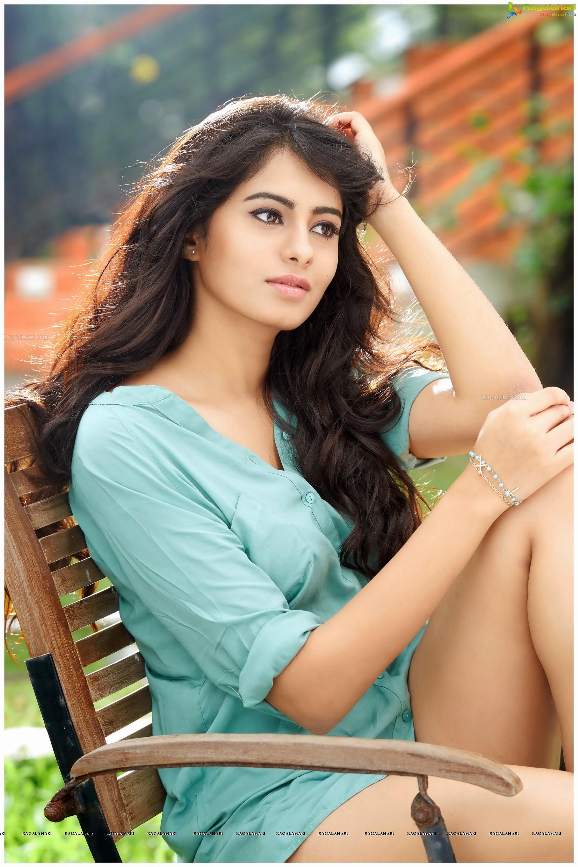 Sonarika Bhadoria Hd Wallpapers Deepa Sannidhi High Definition Image 101 Telugu