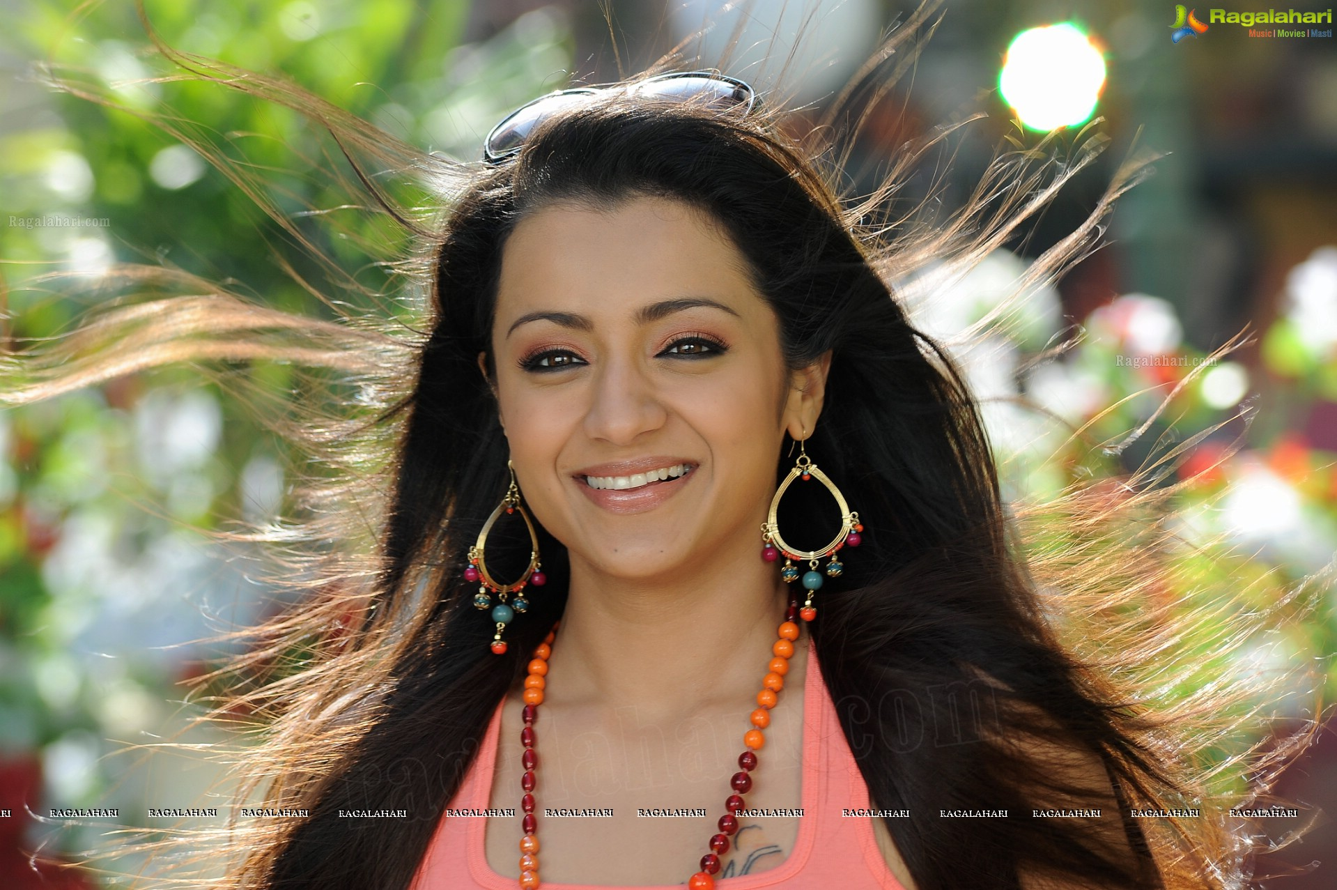 Divani Mai Diwani Movie Trisha Krishnan Degraded From A High Class Modern Girl To