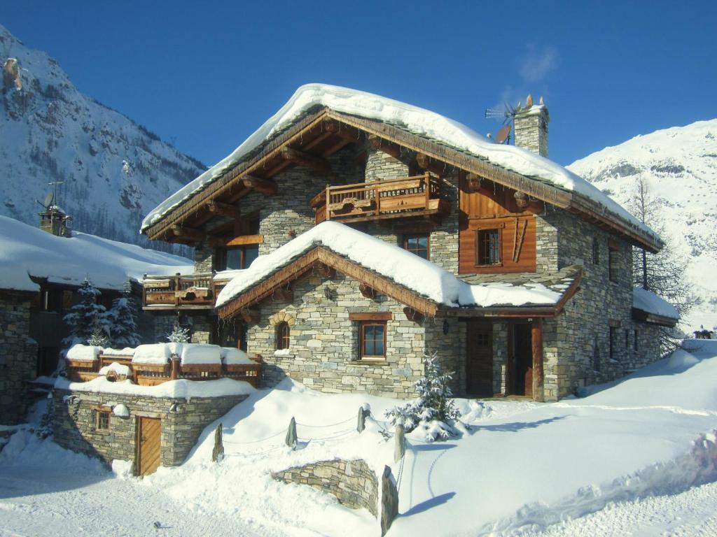 The Farmhouse Val D Isere Chalet D Elena Val D Isère France Booking