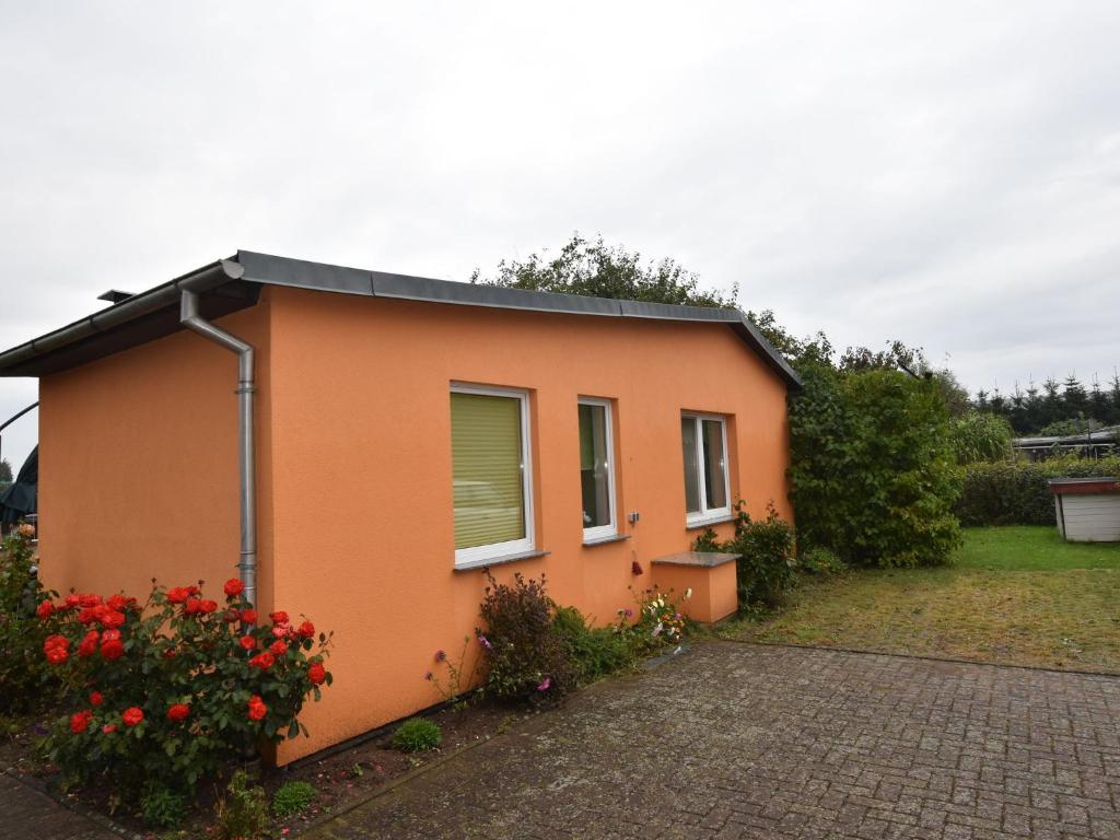 Garten-teich-service Vacation Home Gartenteich Reddelich Germany Booking