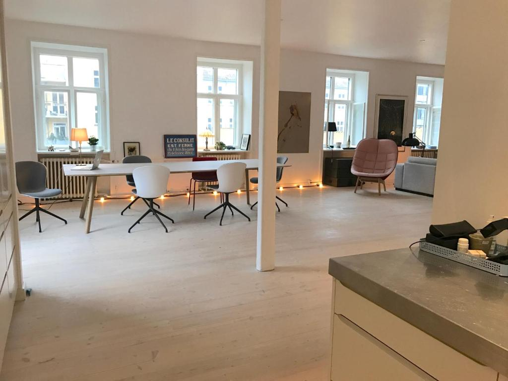 Tivoli Ny Sightseeing Apartment Best Stay Copenhagen - Victoriagade, Denmark