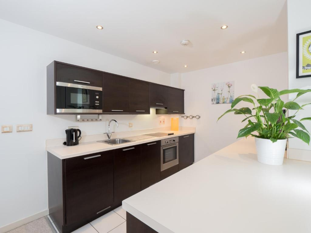 2 Bed Apartment Manchester Modern 2 Bed Flat In Northern Quarter Manchester Updated 2019