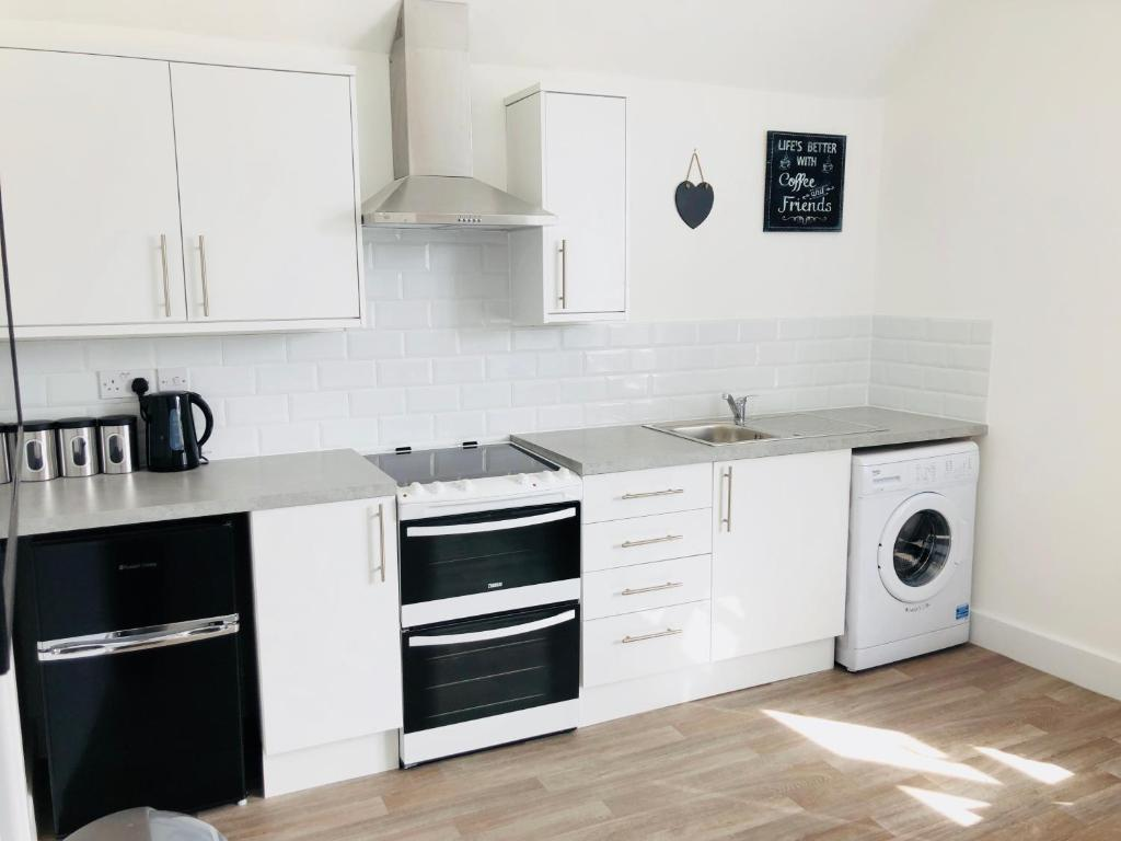 2 Bed Flat Bournemouth Apartment Modern Central Studio Flat Close To Bournemouth Uk
