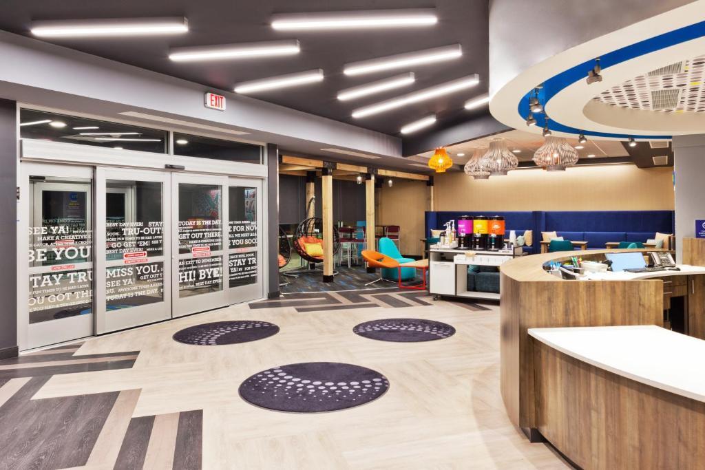 Hotel Tru by Hilton Auburn, AL - Booking