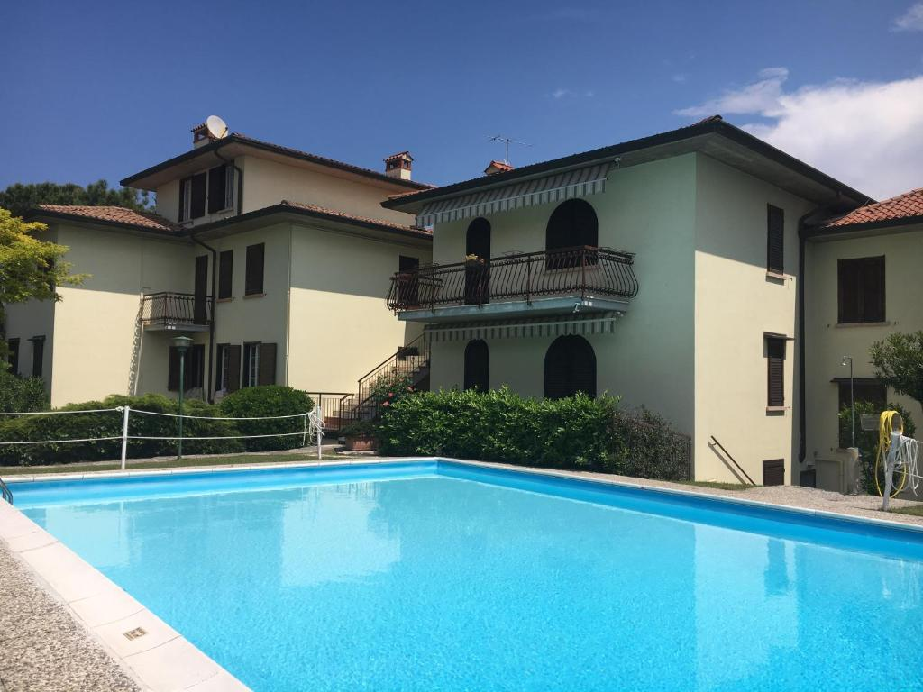 Ferienwohnung Gardasee Mit Pool Sirmione Sirmione Lake And Pool Apartment Italien Sirmione Booking
