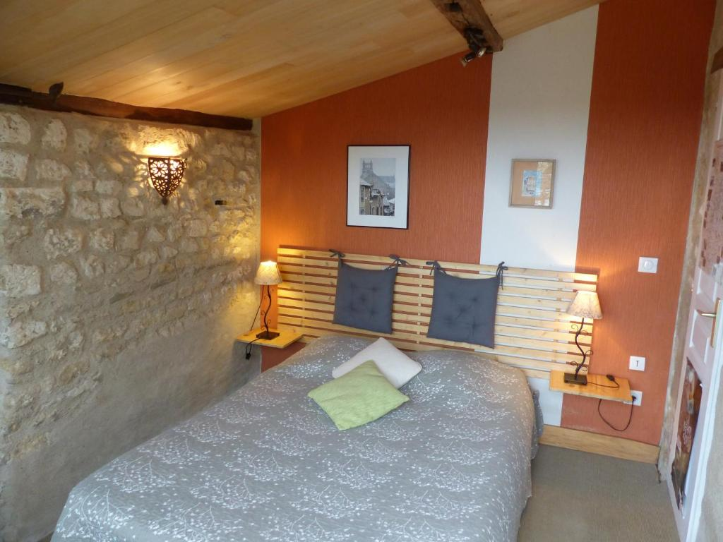 Chambre D Hote Chauvigny Bed And Breakfast La Maison Rouge Chauvigny France Booking
