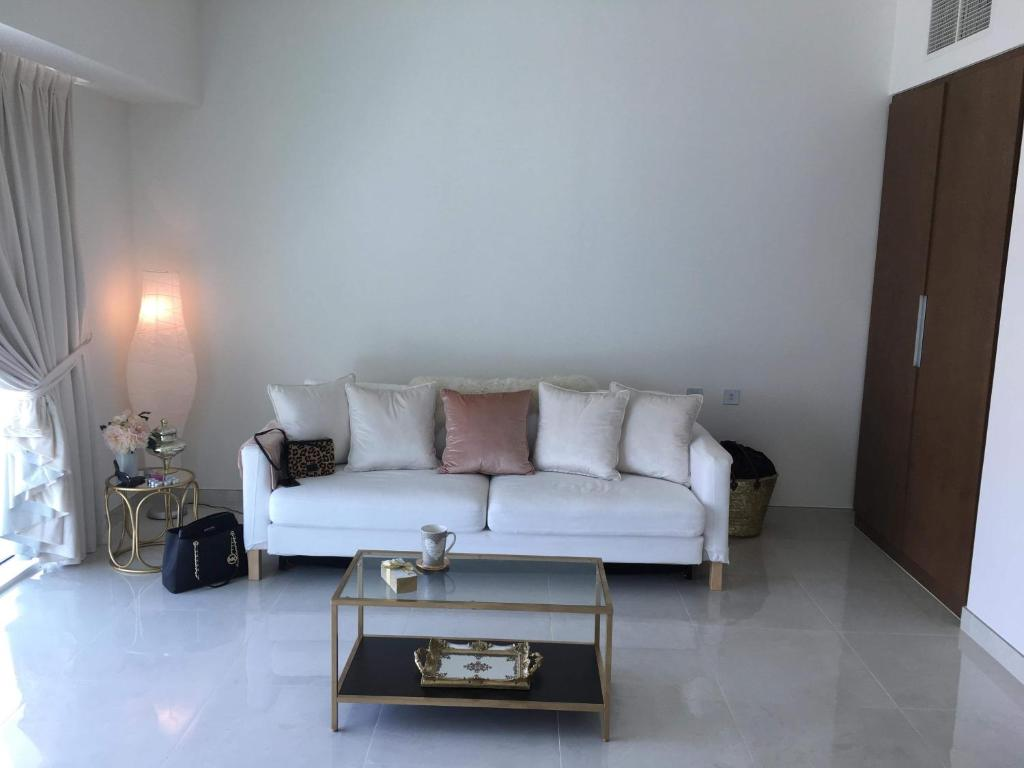 Sofa Bed Abu Dhabi Apartment Yas Marina Circuit Abu Dhabi Uae Booking