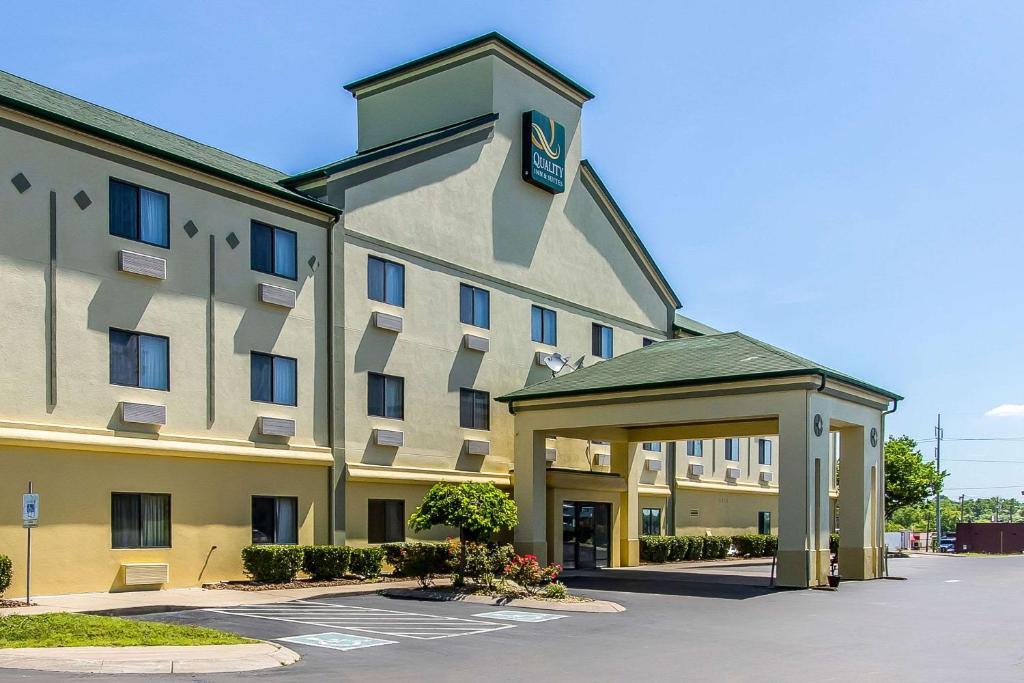 Quality Inn  Suites, La Vergne, TN - Booking