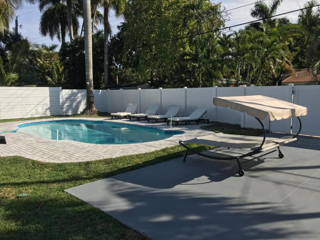 Pool Ganzjährig Heizen Ferienhaus Beautiful 3 Bedroom House With Pool Hollywood Fl Usa