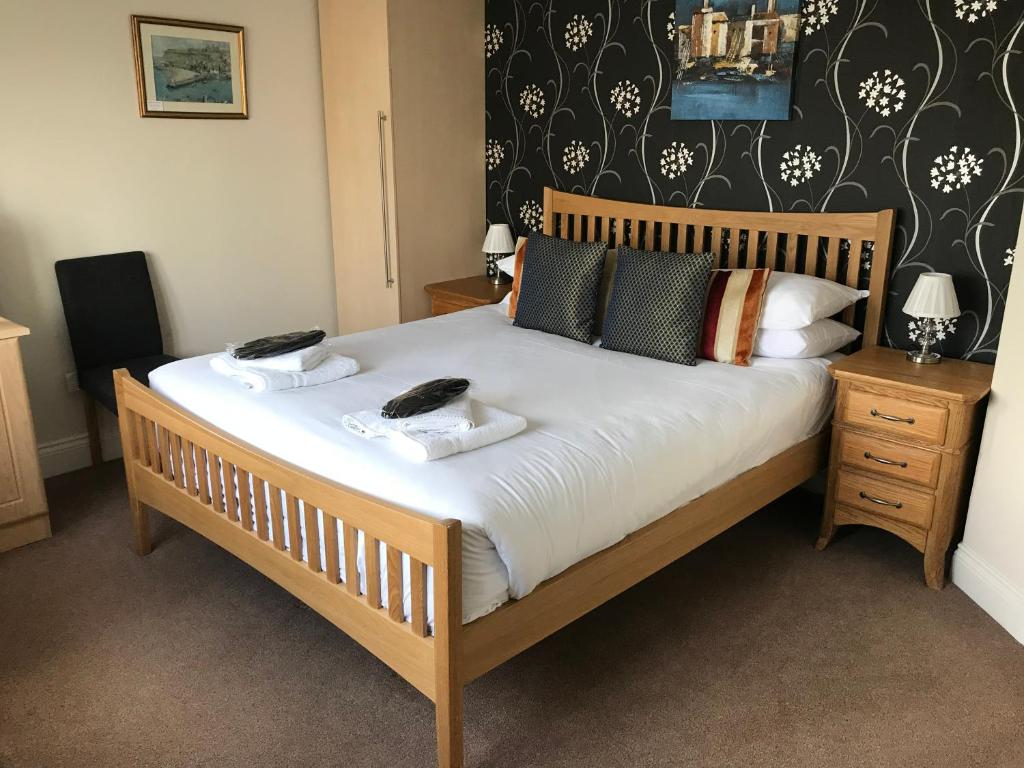 House Bed Frame Uk Bed And Breakfast Seaview House Lancing Uk Booking