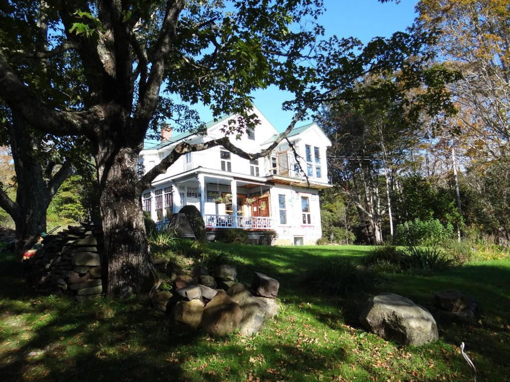 John Andrews Farmhouse Restaurant Chamcook Forest Lodge B B Saint Andrews Canada Booking