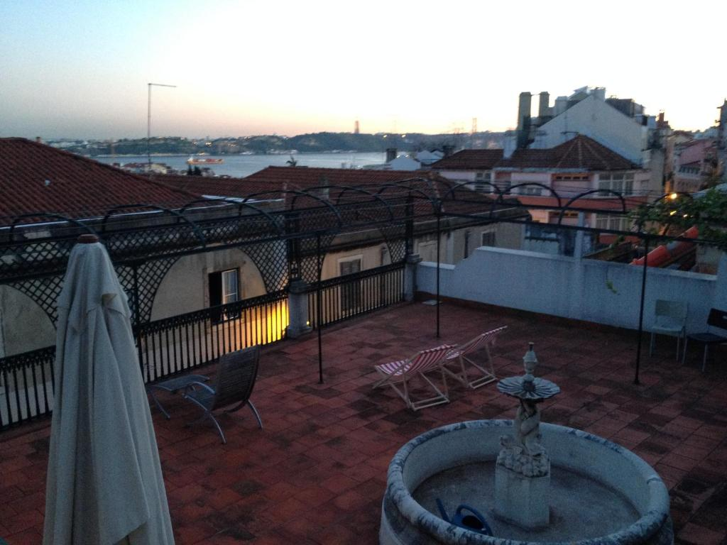 Airbnb Lisbonne Terrasse Apartment Principe Real Terrace Lisbon Portugal Booking
