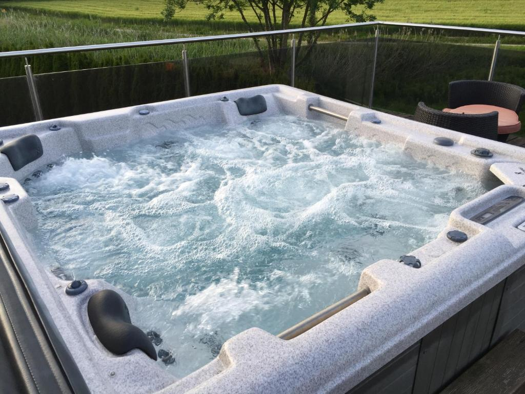 Whirlpool Pool Jacuzzi Ferienhaus House With Pool Dottikon Switzerland Booking