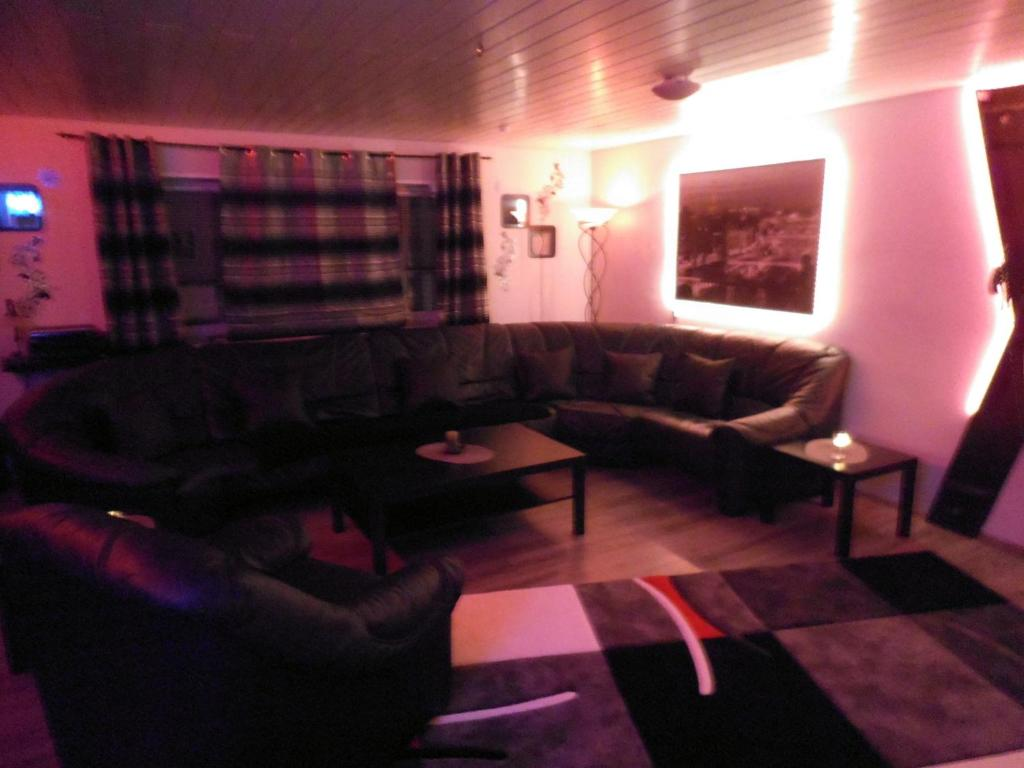 2 Zimmer Küche Bar Heidelberg Exclusiv Mietapartment Bdsm Heidelberg Heidelberg Updated