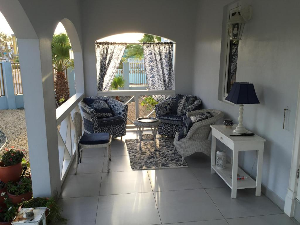 Eetkamer Aruba Vakantiehuis Isabella House Aruba Palm Eagle Beach Booking