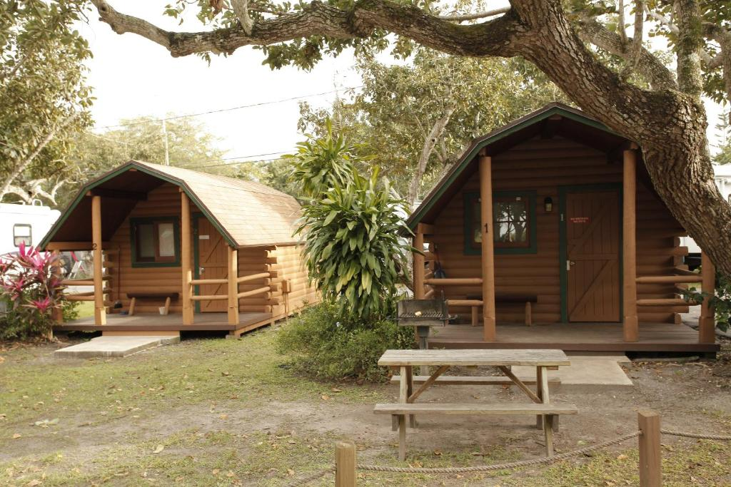 Miami Everglades Camping Resort Studio Cabin 2, Aladdin City, FL
