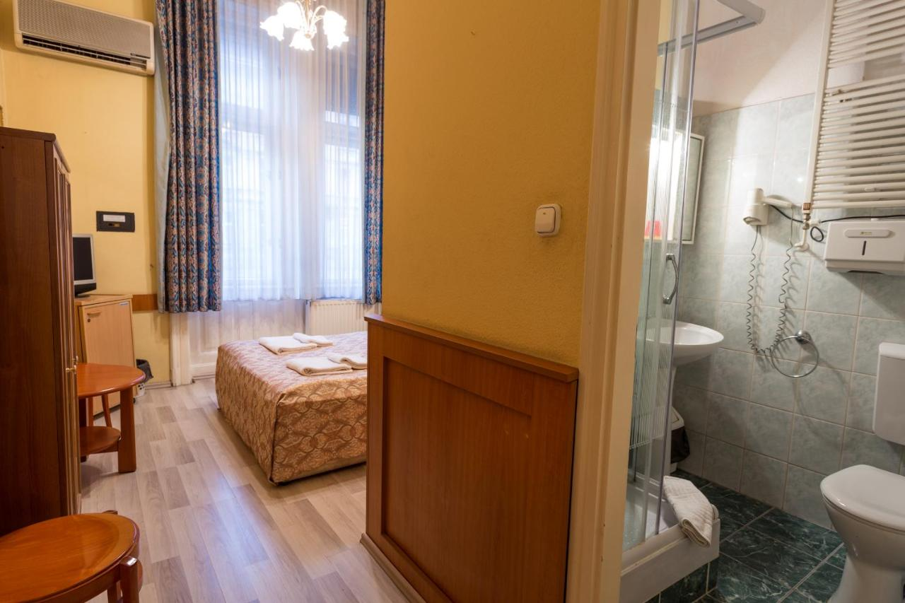 Swing Badezimmer Hotel City Swing Ungarn Budapest Booking