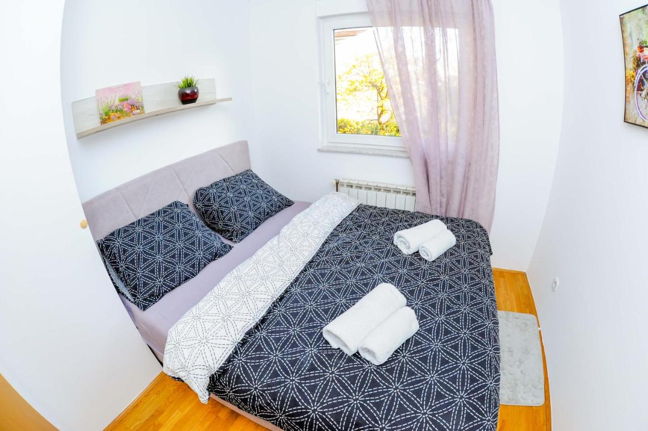 123 Tv Bettwäsche Apartman Veri Zagreb Croatia Booking