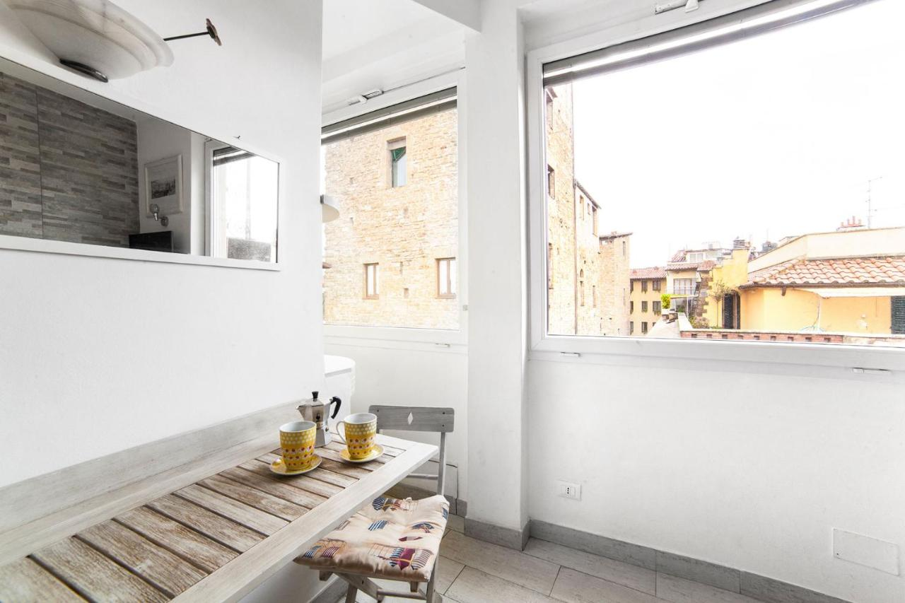 Il Ponte Just Eat Apartment Studio Flat Ponte Vecchio Florence Italy Booking