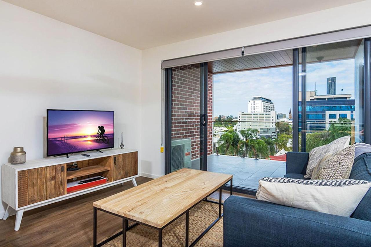 1 Bedroom Apartment Brisbane Slick 1 Bedroom Carpark Apartment In Spring Hill Brisbane