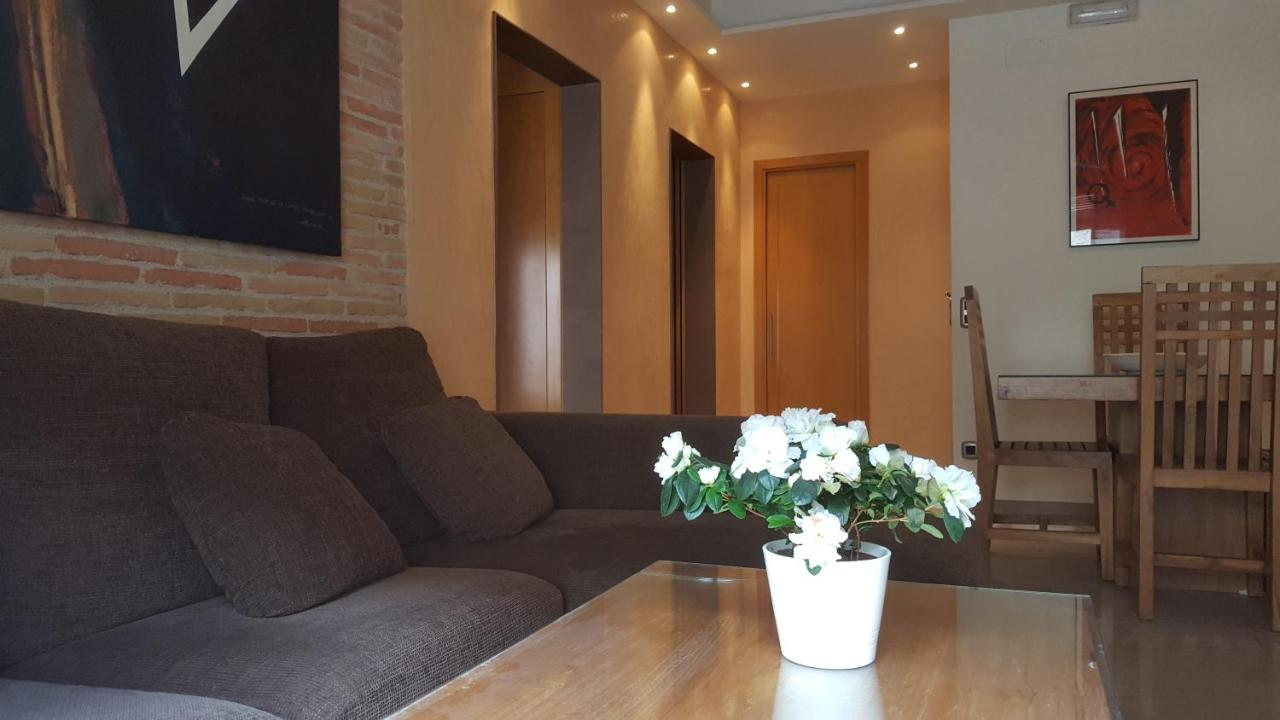 Horror Woonkamer Sleepin Girona Girona Updated 2019 Prices