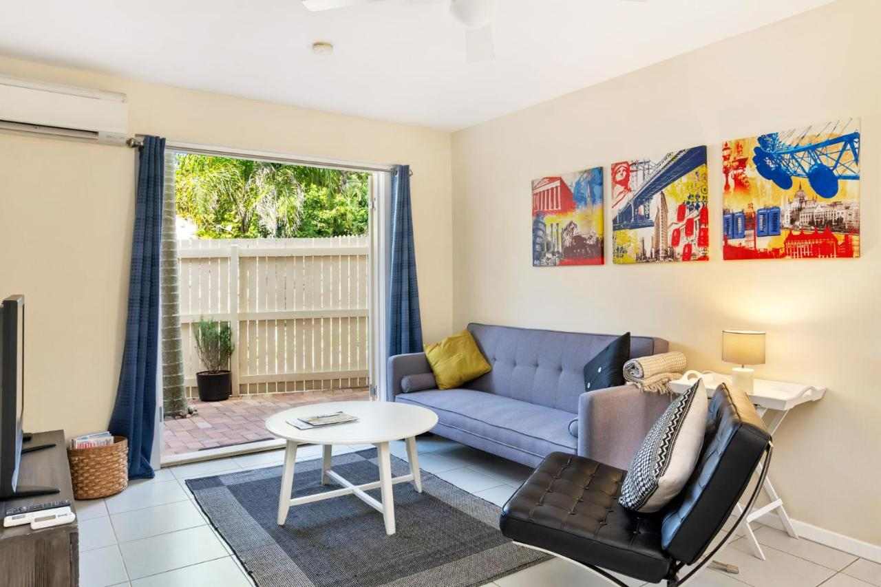 2 Bedroom Apartment Brisbane Tranquil 2 Bedroom Apartment In Clayfield Brisbane Australia