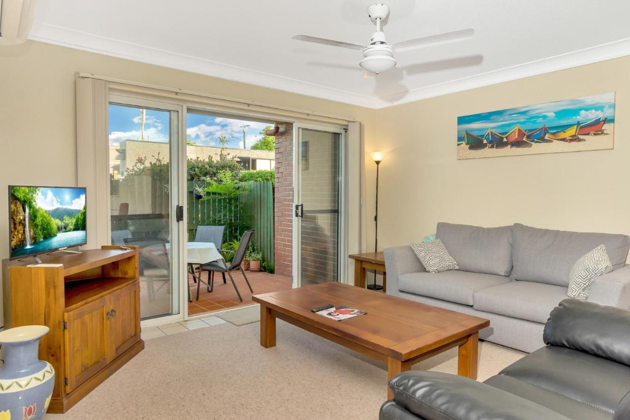 2 Bedroom Apartment Brisbane Superb Convenient 2 Bedroom Courtyard Apartment Brisbane