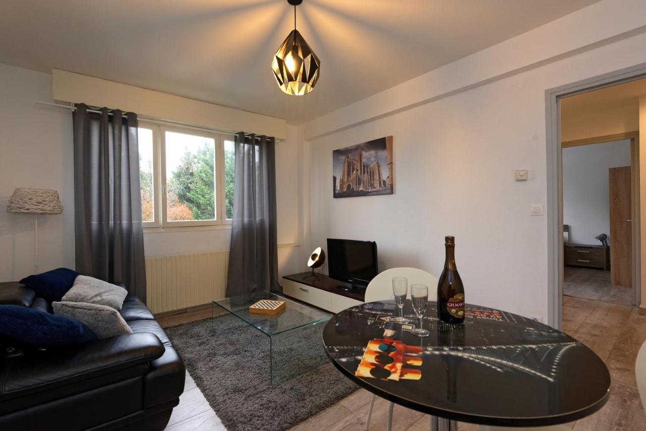 Literie Metz Apartment Le Bernanos Metz France Booking