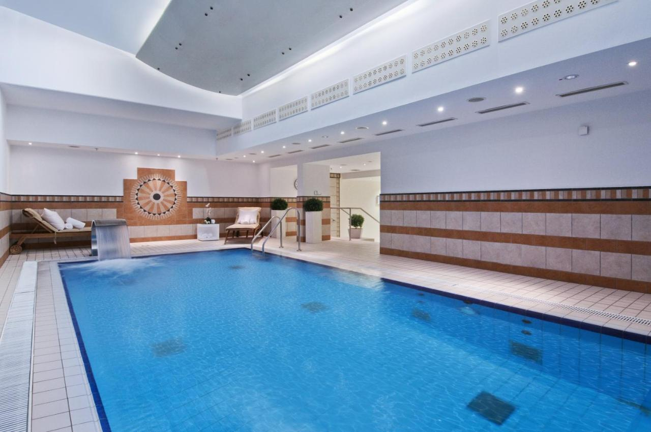 Pool Garten München Hotel Hilton Munich Park Germany Booking