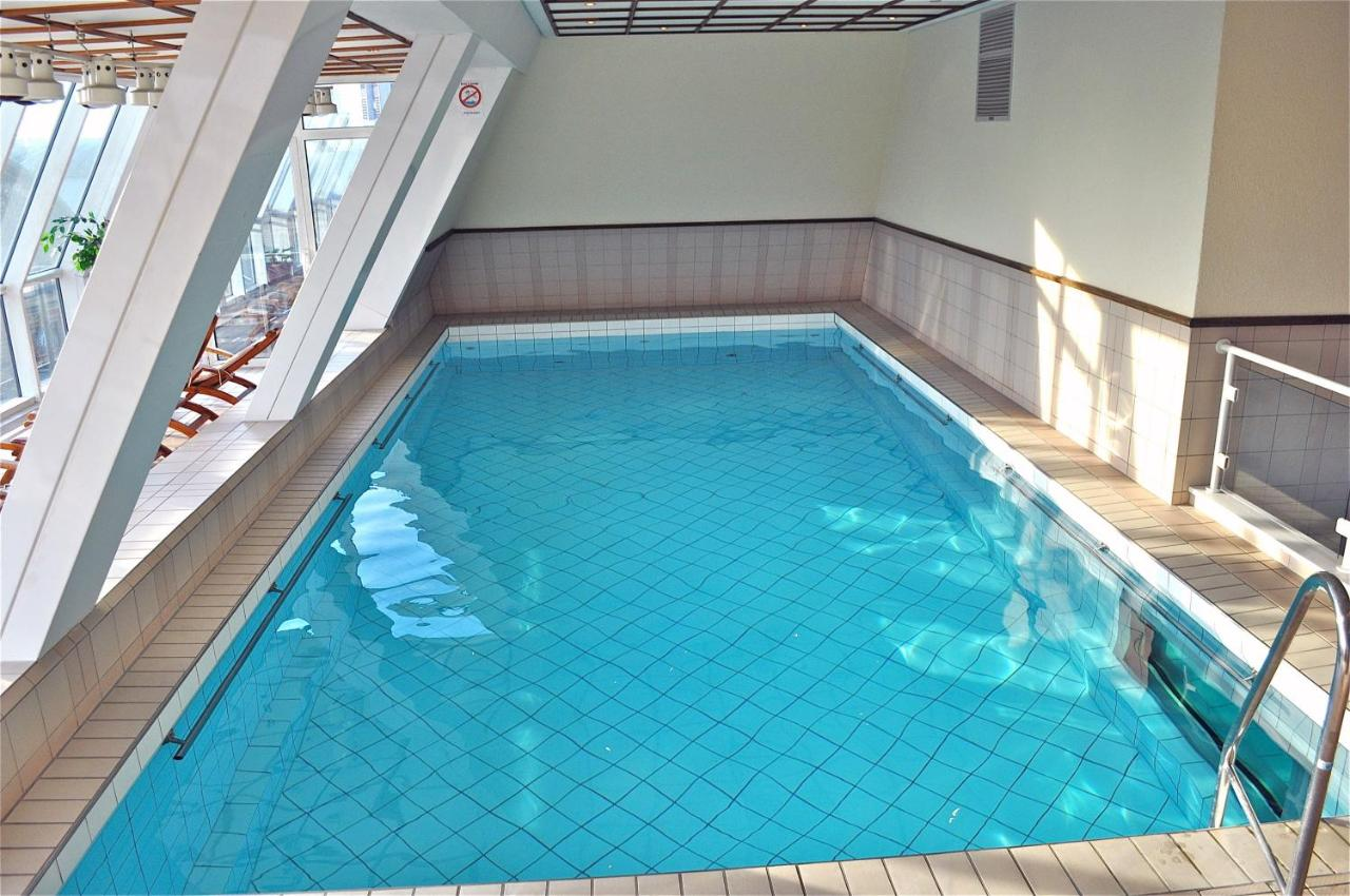 Swimming Pool Frankfurt Savoy Hotel Frankfurt Germany Booking