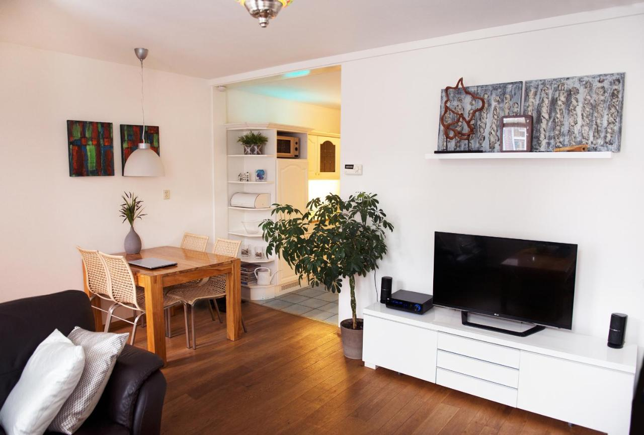 Bettdecken Bei Real Apartment Vakantiehuis Katwijk Netherlands Booking