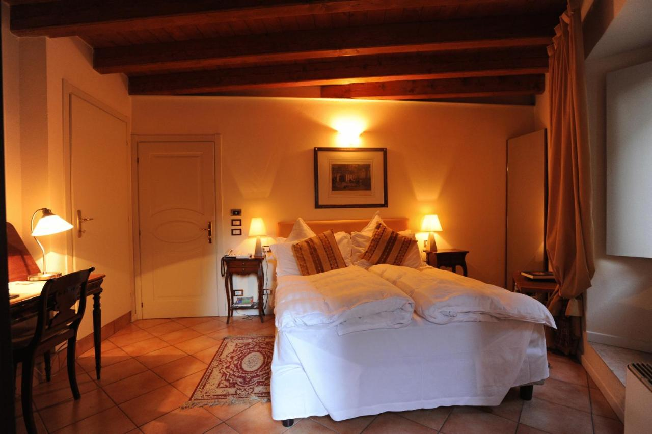 Albergo Orologio Brescia Albergo Orologio Brescia Italy Booking