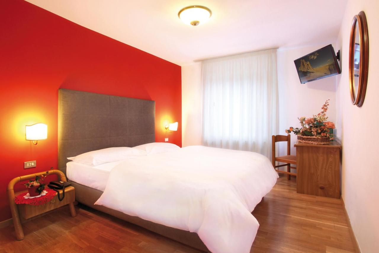 Hotel Il Caminetto Canazei Booking Family Hotel Il Caminetto Canazei Italy Booking