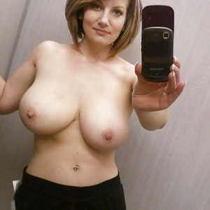 smoking hot milf selfies