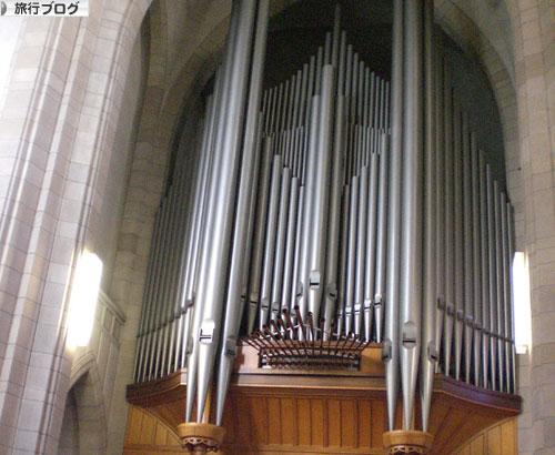 ホーリートリニティ教会パイプオルガン