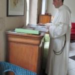 fr. Jean Baptiste Régis pendant une pause