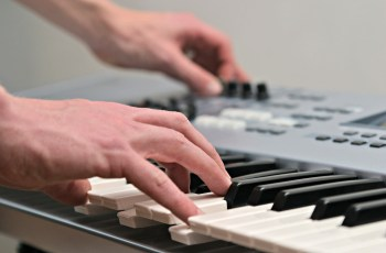 acordes com sétima maior no teclado