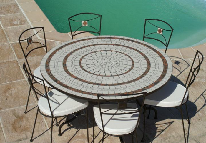 Table De Jardin 8 10 Personnes Table Jardin Mosaique Ronde 150cm Blanc 3 Cercles Argile