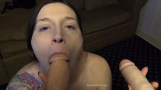Bettie Bondage – Mom Blowbangs Dad and Son