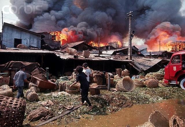 Chợ Cầu Ông Lãnh là một khu chợ nông sản đầu mối nằm ở quận 1, trung tâm Sài Gòn. Vào ngày 24/1/1971, vụ cháy chợ Cầu Ông Lãnh thảm khốc đã xảy ra khiến hàng trăm người hoảng loạn.