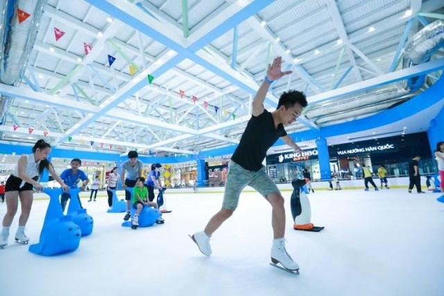 san-truot-bang-vinpearlland-ice-rink-royal-city-60237