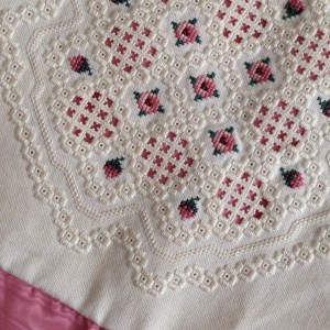 hardanger with cross stitch detail