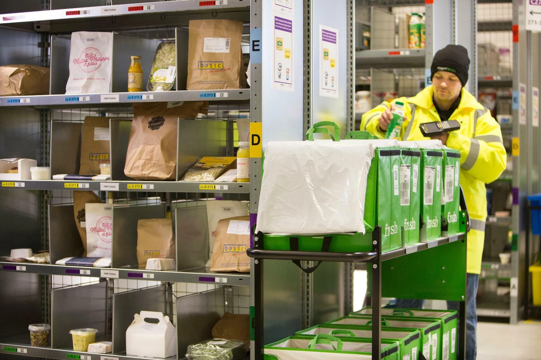 Spiegel Amazon Fresh Amazon Fresh Amazon Startet Online Supermarkt In Berlin