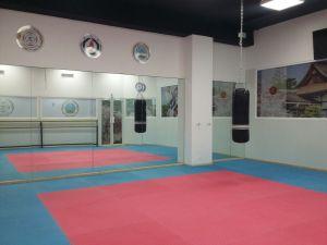 Salón para clases de Karaté - Do