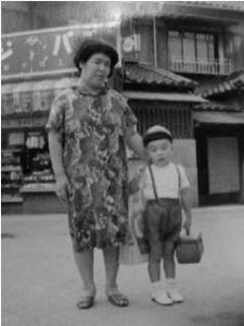 カヨさんと幼稚園頃の私