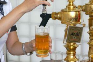 品質管理研修のあとは、できたてビールの試飲タイムです