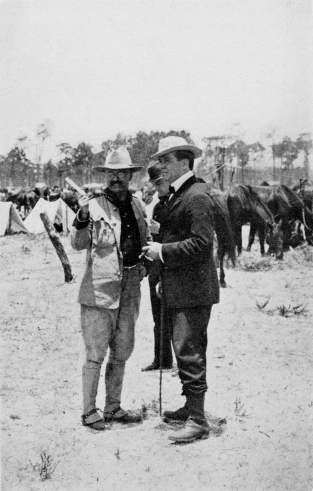 Theodore_Roosevelt_with_Richard_Harding_Davis