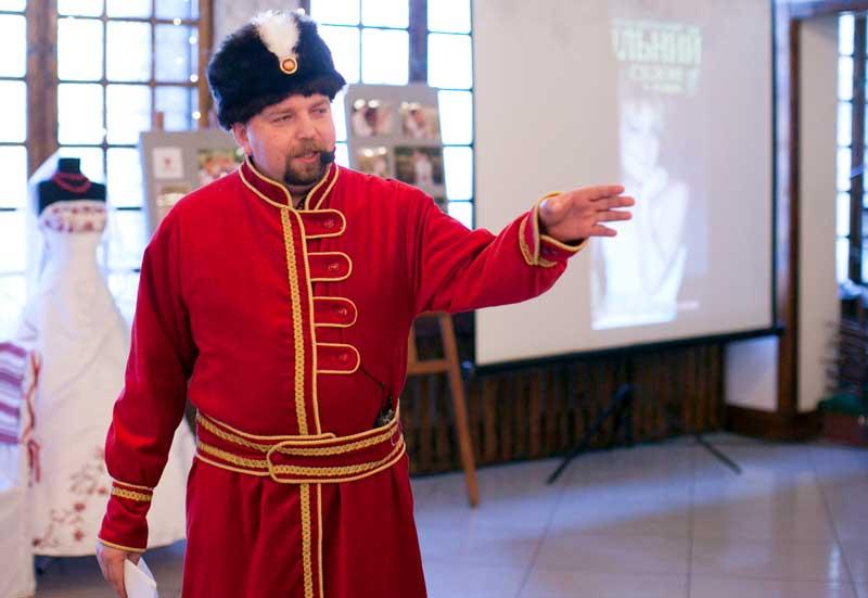 """Заняття в """"Школі наречених""""на тему українського весілля відбулося 12 травня 2011 року в ресторані Вертеп-2"""