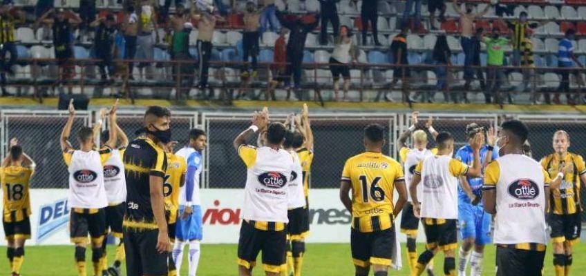 Dvo Táchira liquidó por 3-2 al Monagas SC y sigue cómodo de primero