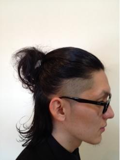 メンズのロングの髪型の結び方2